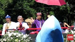 Pawai Jokowi dari Atas 'Kereta Periuk dan Petai'