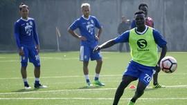 Pelatih Persib Pasrah N'Douassel Gabung Bhayangkara FC