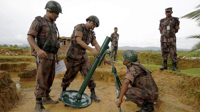 Bangladesh Tawarkan Bantuan Militer untuk Lawan Rohingya