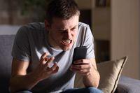 dr Andri, SpKJ, psikiater dari Klinik Psikosomatik RS Omni Alam Sutera ini menyampaikan lima tips yang bisa dilakukan untuk bisa lebih bijak menggunakan media sosial. Foto: Thinkstock