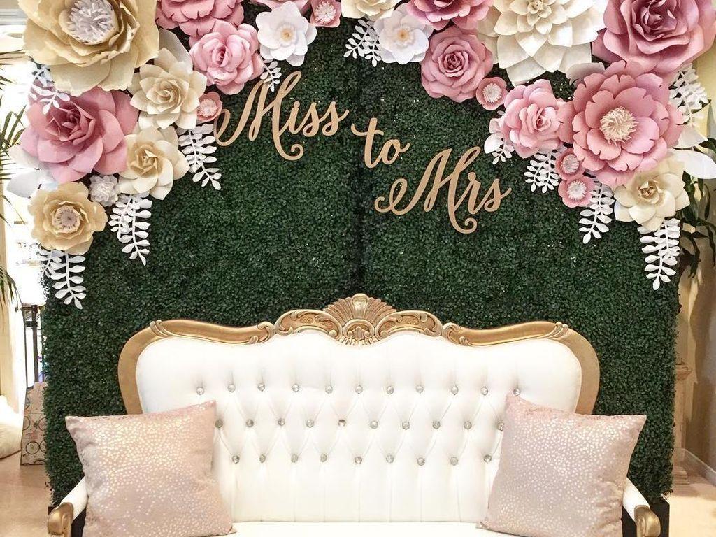 15 Inspirasi Dekorasi Paper Flower yang Cantik untuk Lamaran & Pernikahan