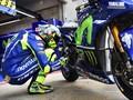 Ritual Jongkok Valentino Rossi: Saya Tak Bicara dengan Motor