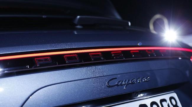 Cayennedibekali mesin dengan 340-horsepower, turbocharged 3.0 liter V6.Sementara model S kabarnya akan disokong mesin 440-horsepower, 2,9 liter twin turbo V6, Kedua varian akan hadir dengan transmisi otomatis Tiptronic delapan percepatan.(REUTERS/Michaela Rehle)