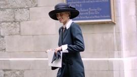 FOTO: Putri Diana dan Aneka Topi Andalannya