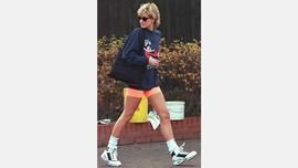Jumper 'Virgin Atlantic' Lady Diana Dilelang Rp750 Juta