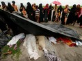 Tutupi Pembantaian, Warga Sipil Myanmar Bakar Jasad Rohingya