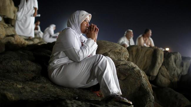 Haji adalah salah satu dari lima rukun Islam dan semua Muslim yang mampu, harus melakukan setidaknya sekali dalam hidup mereka. (REUTERS/Suhaib Salem)