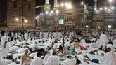 Ibadah haji 2017 juga ditandai oleh kembalinya umat muslim Iran ke tanah suci, setelah sempat memboikot pada 2016. Total 86 ribu lebih warga Iran menunaikan ibadah ke Mekah tahun ini. (AFP PHOTO / KARIM SAHIB)