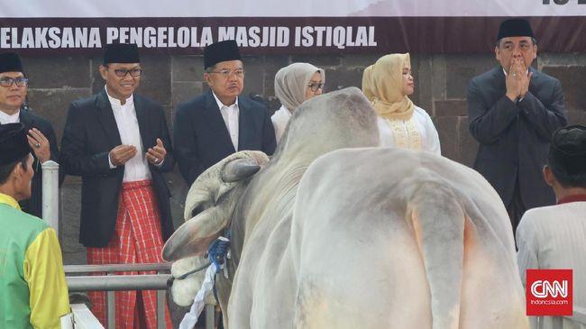 Istiqlal Bagikan 5 Ribu Kantung Daging Kurban