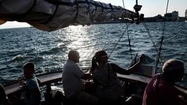 FOTO: Menikmati Teluk Thermaikos dari Atas Kapal Arabella