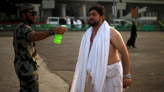 Sementara itu, ratusan nyawa lainnya melayang dalam sejumlah insiden serupa dalam 20 tahun terakhir. (Reuters/Suhaib Salem)