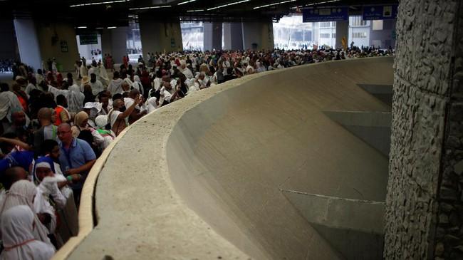 Tahun ini, ada lebih dari 2,35 juta orang dari seluruh unia yang mengikuti ibadah haji. (Reuters/Suhaib Salem)