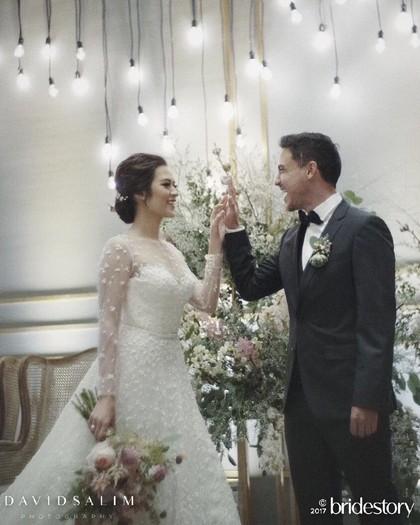 Ini 6 Orang yang Bikin Raisa Jadi Cantik Banget Saat Menikah