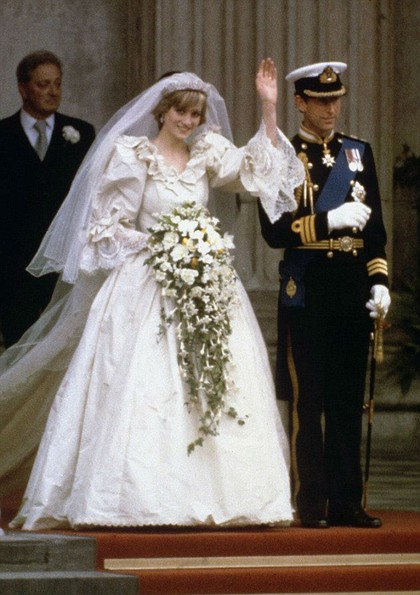 5 Detail Tersembunyi di Gaun Pernikahan Putri Diana yang