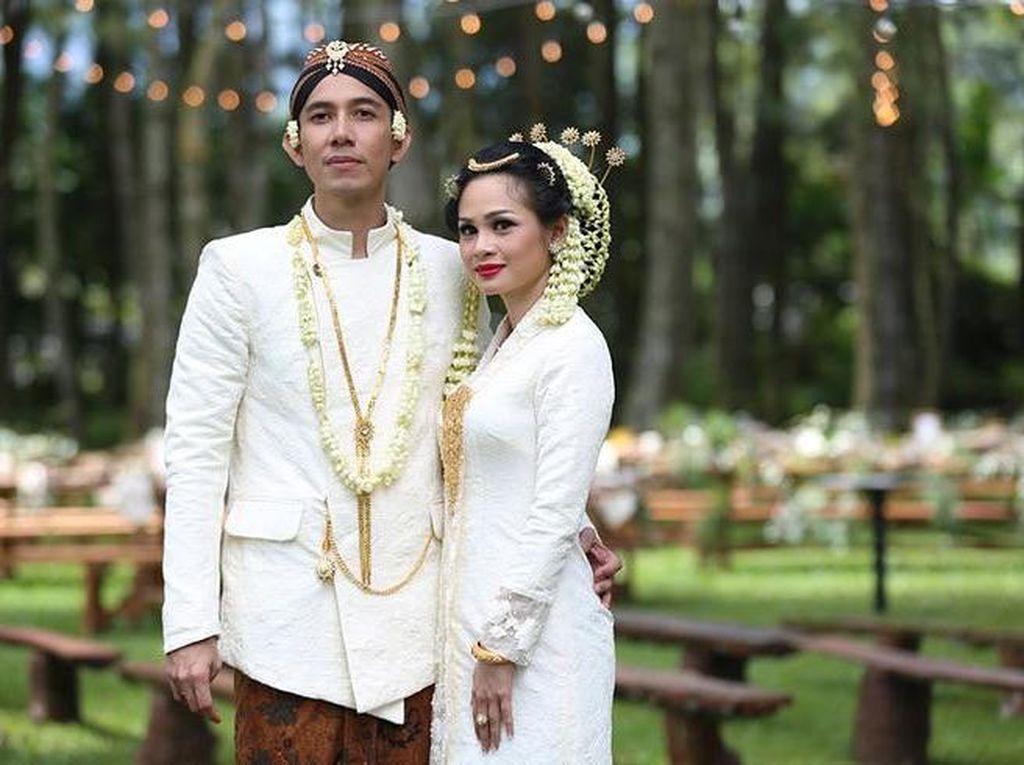 Foto: 20 Model Kebaya Pengantin Artis Indonesia, Raisa Hingga Nagita