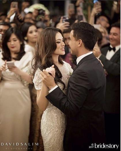 Banjir Pujian Netizen, Ini 7 Alasan Pernikahan Raisa-Hamish Menginspirasi