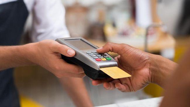 BCA Tegaskan Nasabah Tak Kena 'Charge' Transaksi Kartu