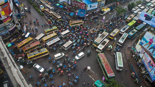 Bangladesh Rusuh Setelah Mantan PM Dijatuhi Hukuman Penjara