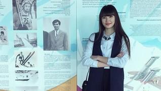 Pevoli Sabina Altynbekova Kini Punya Merek Busana