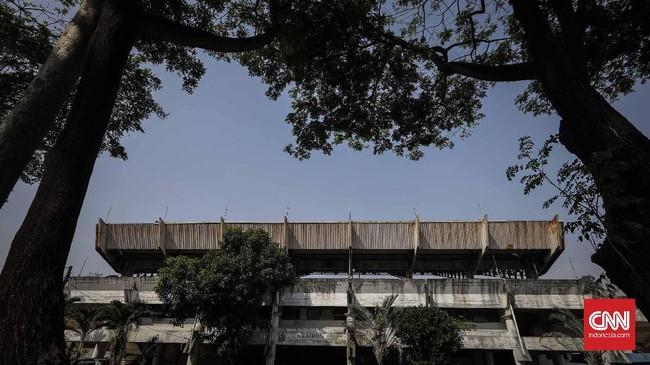 <p>Nasib keberadaan stadion tertua di Tangerang ini tampaknya akan berakhir. Wali Kota Tangerang Arief R. Wismansyah mengatakan stadion Benteng akan dialihfungsikan menjadi ruang terbuka publik dan akan digantikan oleh sport center. (CNN Indonesia/Adhi Wicaksono)</p>