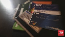 Pejabat Kemenhub Buang Kartu ATM saat OTT Dirjen Hubla