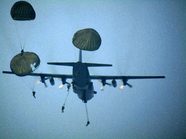 Terjun Penyegaran Yonif Para Raider 328 Kostrad