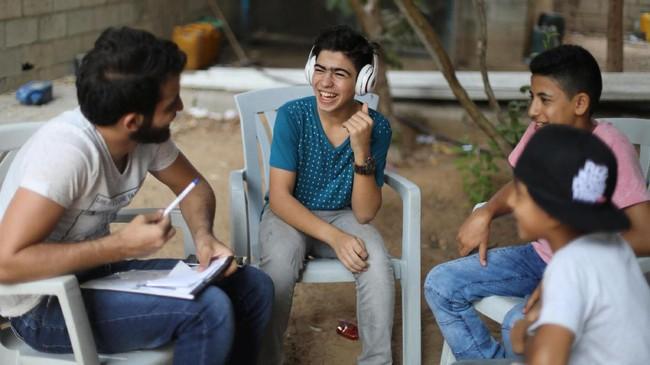 Namun, sementara ketegangan sosial dan politik serta kekerasan memberikan banyak materi untuk liriknya, Gaza sendiri jauh dari tempat yang subur untuk mengembangkan karier hip hop. (REUTERS/Mohammed Salem)