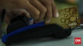 Masih Ada Merchant 'Bandel' Pungut Biaya Gesek Kartu Nasabah