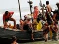 Kisah Rohingya Menembus Perbatasan Demi Kuburkan Kerabat