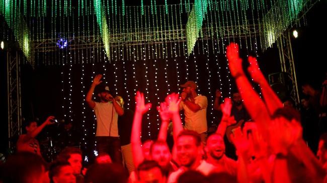 Ghunaim kini tengah menggarap sebuah album baru yang disebutnya sebagai karya terakhir yang dibuat di Gaza. (REUTERS/Mohammed Salem)