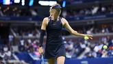 Maria Sharapova hingga hari ini, Rabu (6/9), masih memimpin polling kostum terbaik versi WTA dengan keunggulan 41 persen. (AFP PHOTO / Jewel SAMAD)