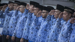 Aturan PNS Naik Gaji 5 Persen Tinggal Diserahkan ke Jokowi