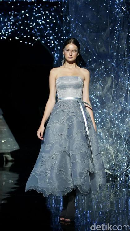 Foto: 25 Koleksi Busana Couture Terbaru Hian Tjen