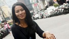 Trik Dewi 'Dee' Lestari agar Anak Rajin Sikat Gigi