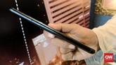 Asus menjual ZenFone 4 Max Pro ini di harga Rp3 juta.(CNN Indonesia/ Bintoro Agung)