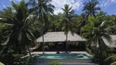 Untuk meningkatkan kunjungan turis ke kawasan itu, pemerintah dan pemerintah daerah setempat mulai berbenah, hotel dan resort sudah mulai dibangun. Tak ketinggalan jalan trans lingkar Morotai untuk mempermudah akses ke lokasi-lokasi wisata.
