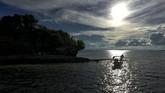 Pelaku usaha wisata setempat mengharapkan percepatan pelebaran Bandara Pitu, Morotai sehingga bisa mendaratkan pesawat besar agar turis yang datang bisa lebih ramai.