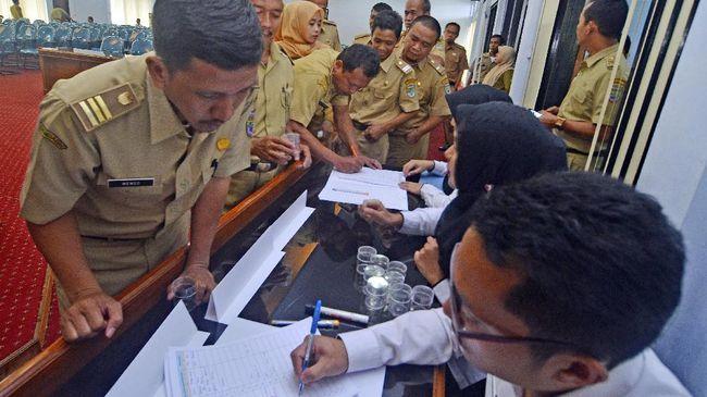 Dua Kementerian Bahas Potongan Zakat di Gaji PNS Bulan Ini