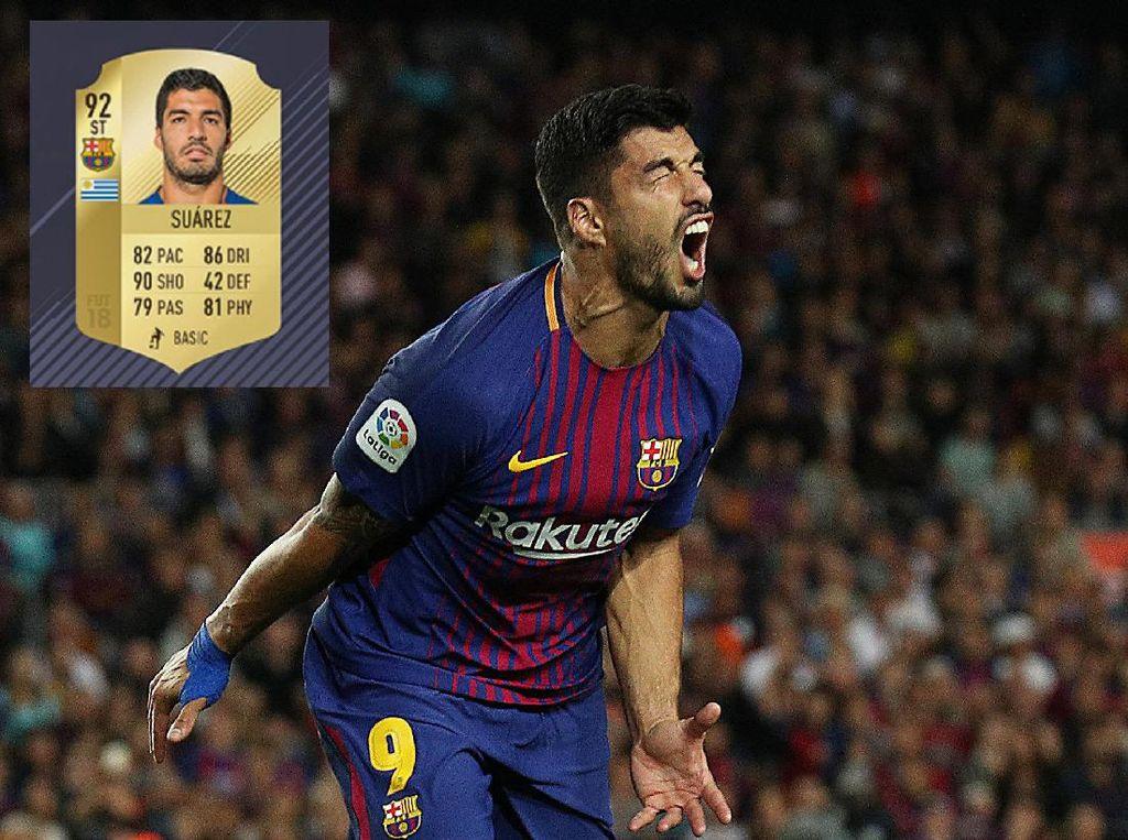 Luis Suarez berada di posisi berikutnya dengan total poin 92. Ada dua update atribut pada striker Barcelona ini, Dribbling -1 dan Physical +2. (REUTERS/Albert Gea)