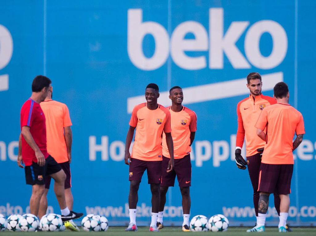Laga melawan Juve juga akan menjadi kesempatan bagi pemain baru Ousmane Dembele untuk unjuk gigi. Dembele diharapkan bisa menutup lubang yang ditinggalkan Neymar. Foto: Alex Caparros/Getty Images