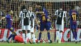 Kemenangan besar juga diraih Barcelona yang sukses menaklukkan finalis Liga Champions musim lalu, Juventus, tiga gol tanpa balas di Stadion Camp Nou. (REUTERS/Albert Gea)