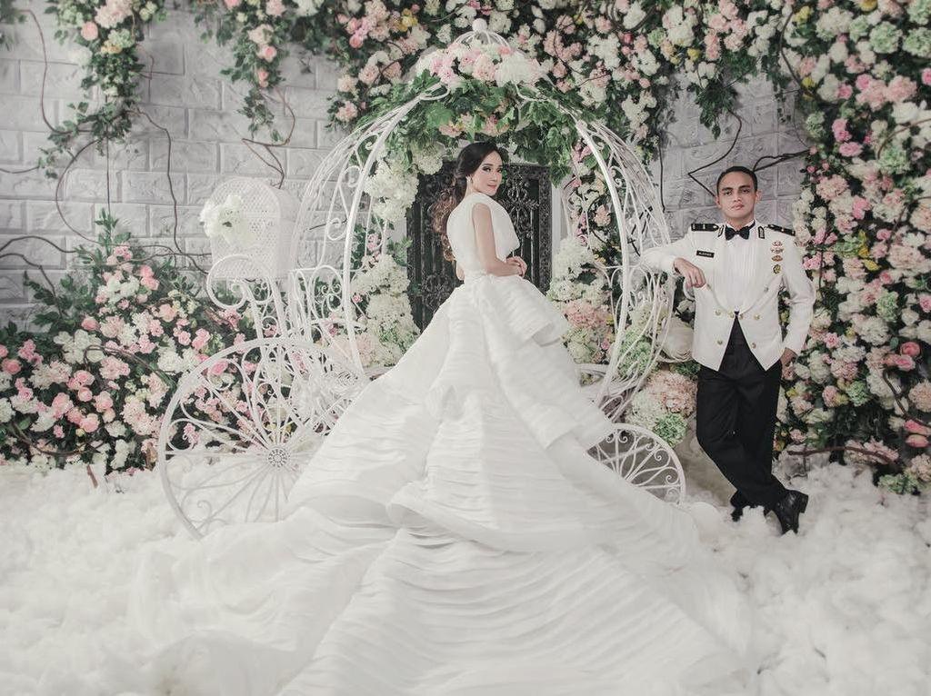 Foto: Inspirasi Pernikahan Adat Jawa Putri Bupati Ponorogo yang Digelar Mewah
