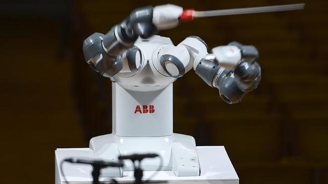 Pembuat YuMi menyebutkan robot ini lebih canggih dari lawannya, Asimo, robot buatan Honda asal Jepang.