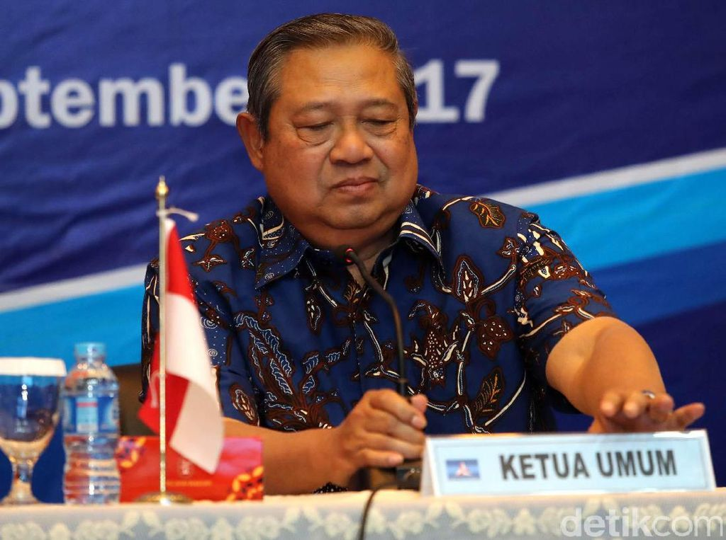 Susilo Bambang Yudhoyono (SBY) menyebut KPK memiliki tantangan besar dan musuh yang banyak. Ketua Umum (Ketum) Partai Demokrat itu pun berpesar agar KPK tetap tegar.