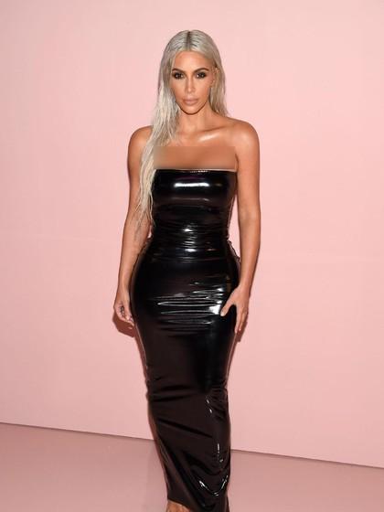 Terungkap, Kim Kardashian Juga Pakai Makeup di Bagian Kaki