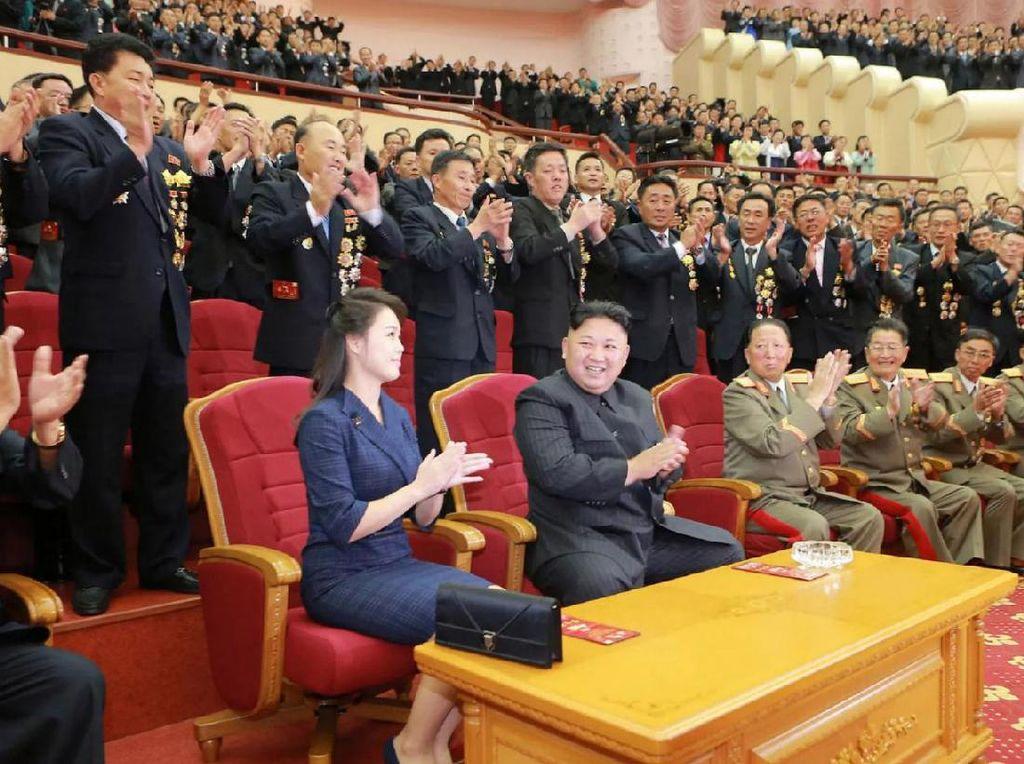Tidak diketahui di mana lokasi pasti perayaan itu diselenggarakan. Namun diyakini acara tersebut diadakan di Teater Rakyat, Pyongyang. Foto: AFP