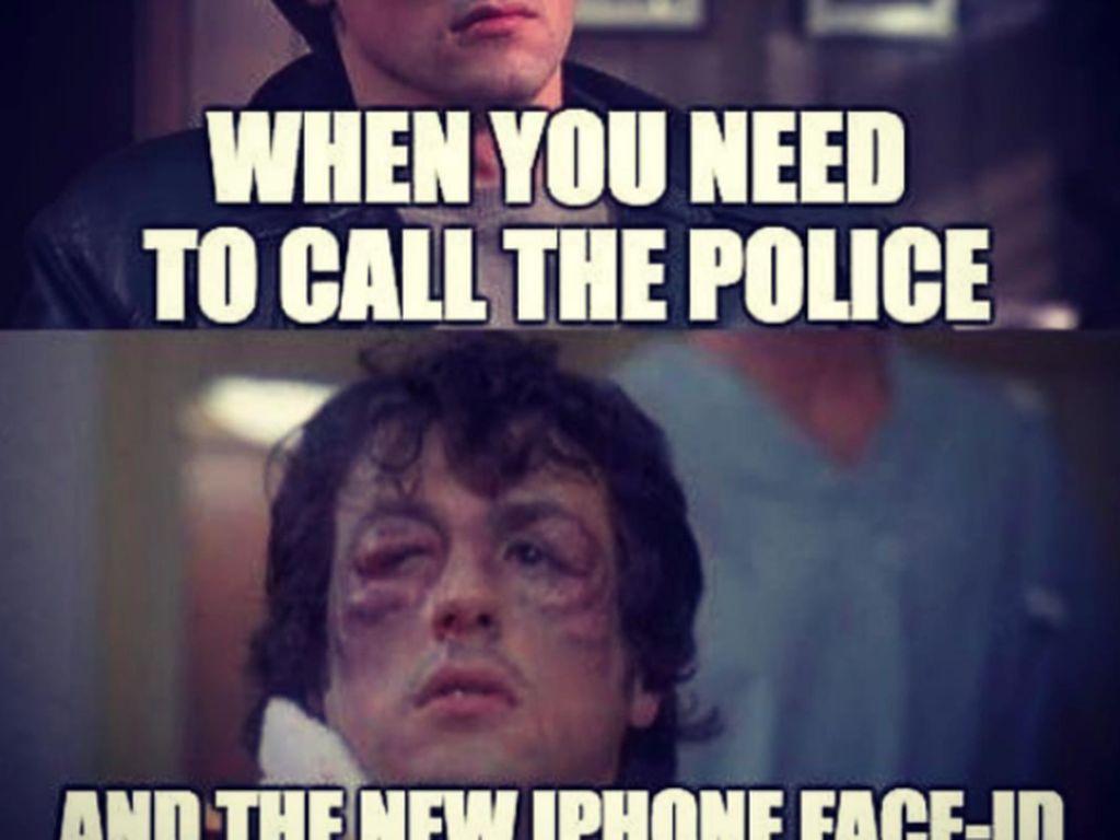 Meme ini menggambarkan jika pengguna iPhone X dipukuli penjahat sampai berubah banyak, maka ia akan kesulitan membuka ponsel dan menelepon polisi karena Face ID sulit mengenali. Foto: istimewa