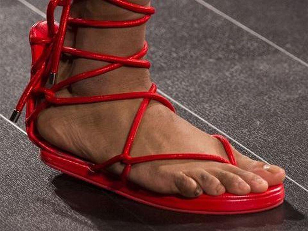 Foto: 15 Sepatu Terbaik dari New York Fashion Week