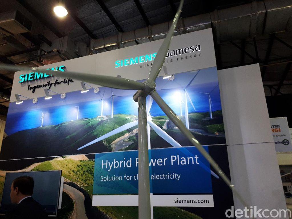 Pemerintah tengah membangun Pembangkit Listrik Tenaga Bayu (PLTB) terbesar di Indonesia yang berlokasi di Sidrap, Sulawesi Selatan. PLTB pertama di Indonesia ini terdiri dari 30 turbin angin yang berbentuk seperti kipas raksasa berukuran tinggi 80 meter dengan panjang blades mencapai 57 meter.