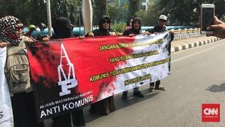 Massa Anti-Komunisme Berdatangan Tolak Seminar Kebenaran 1965